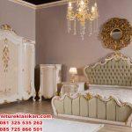 set tempat tidur klasik ukiran modern