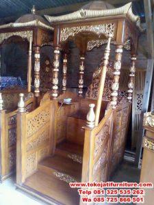 gambar mimbar masjid ukir jati kubah