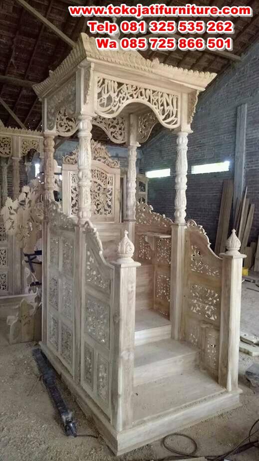 mimbar jati masjid tangga didepan
