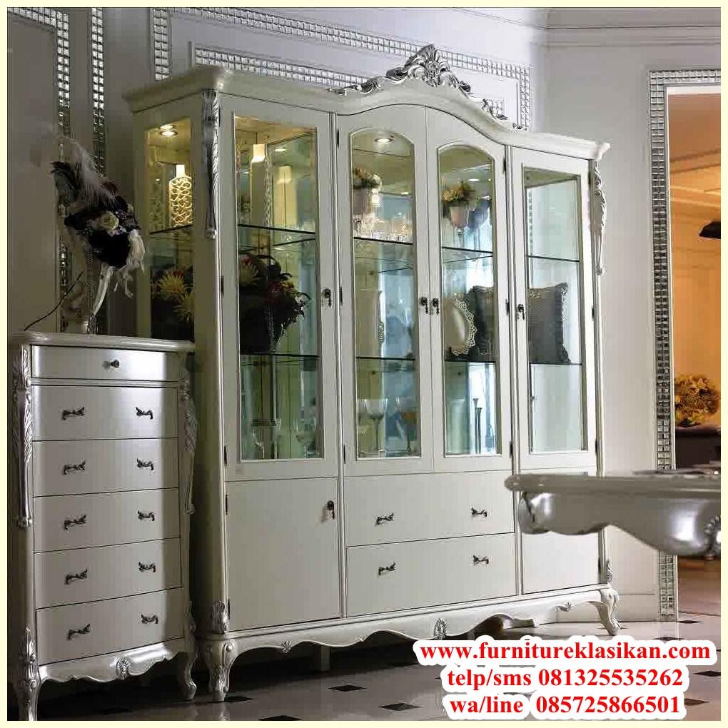 https://furnitureklasikan.com/wp-content/uploads/2018/03/Gambar-lemari-hias-ruang-tamu-1.jpg