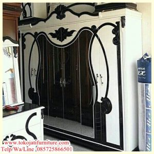 lemari pakaian 6 pintu modern