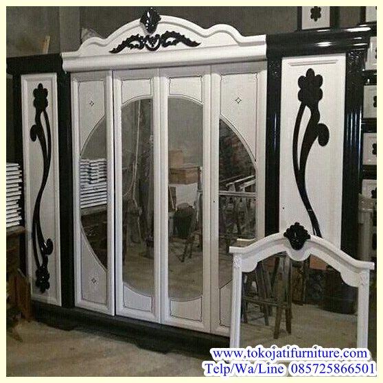 Lemari-pakaian-Pintu-6-Ukiran-Mewah Aneka Lemari Pakaian Klasik Modern