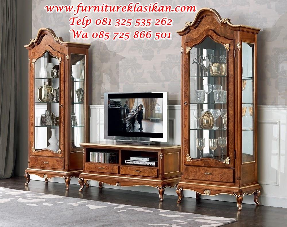 Sala_in_stile_soggiorno_vetrinetta_porta_tv_classico_di_elbectrade bufet tv ukiran jati modern